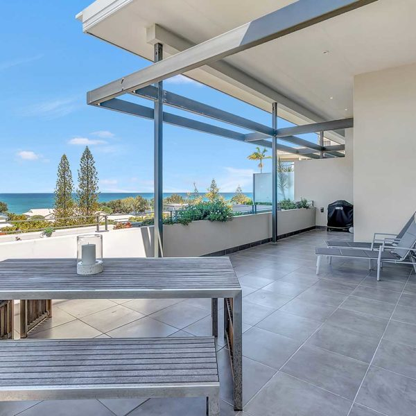 Coffs Harbour Luxury Accommodation, Sapphire Retreat - enjoy the ocean views from your private verandah