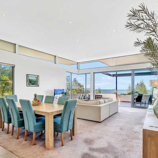 Sapphire Beach accommodation, Sapphire Retreat - beautiful views of the Solitary Islands