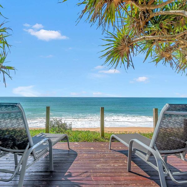 Sapphire Retreat - relax on the resort beachfront sun loungers