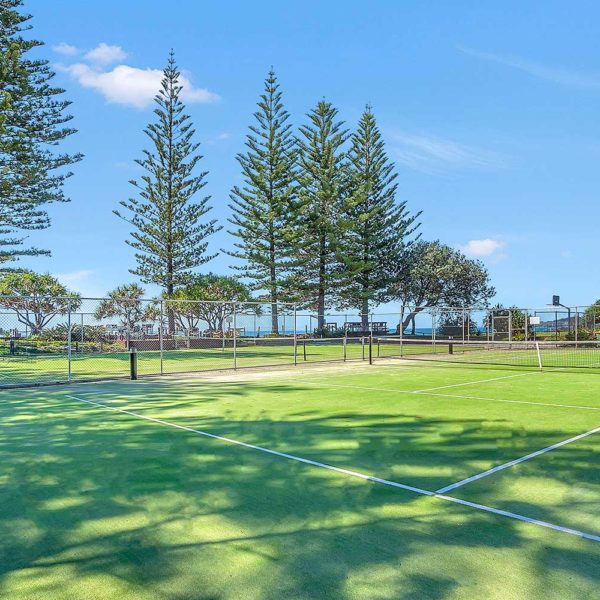 Sapphire Retreat, bring your racquets for a game of tennis at the resort